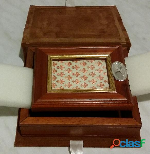 Portafoto in legno di noce e blasone ovale stile inglese in argento 925% nuovo con scatola in panno
