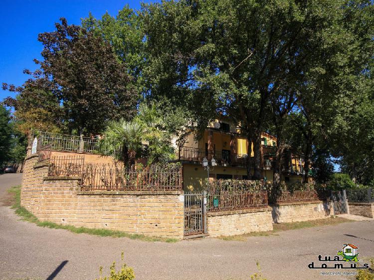 Indipendente - Villa a Colle Farnese, Nepi