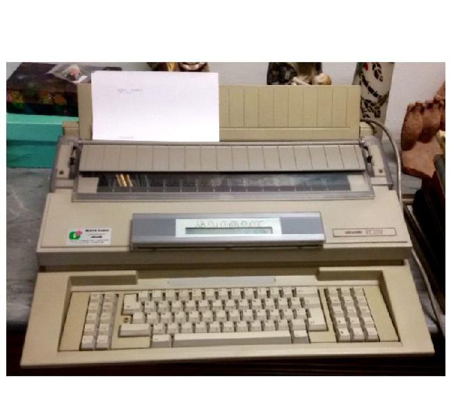 Macchina per scrivere olivetti et2500 tastiera russa