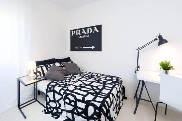 Appartamento di 170 m² con più di 5 locali in affitto a
