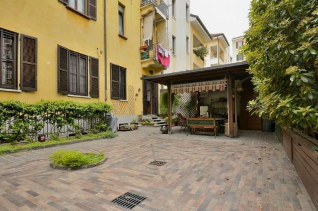 Appartamento di 244 m² con 5 locali e box auto doppio in