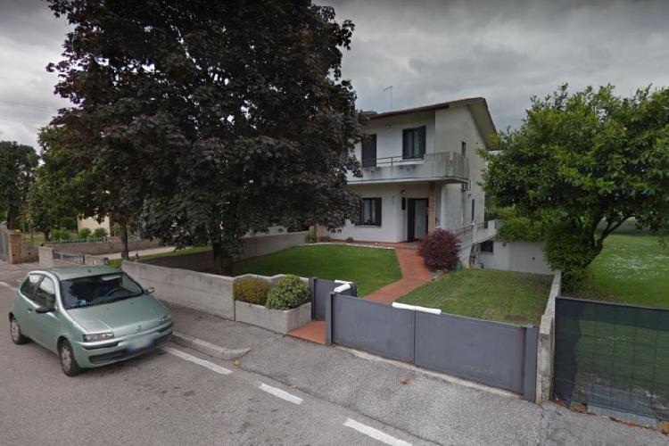 Appartamento in discrete condizioni arredato in vendita