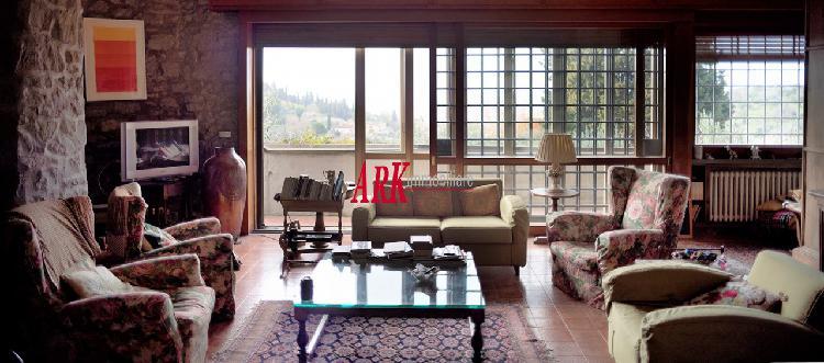 BOLOGNESE. Bella villa di 410 mq. su 2 piani panoramica,