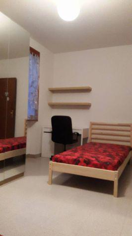 Due posti letto in camera doppia per ragazze (bagno in