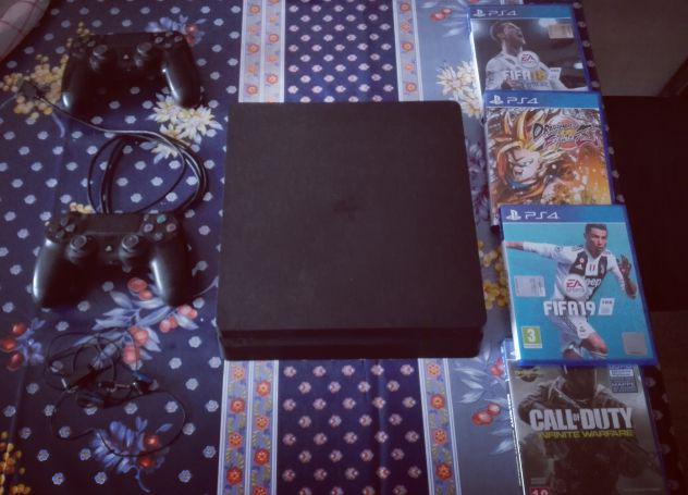 Ps4 slim colore nero 1 tera + giochi