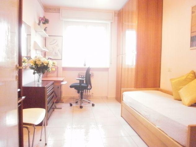 Una stanza singola piu' bagno (450.00 euro) spesa