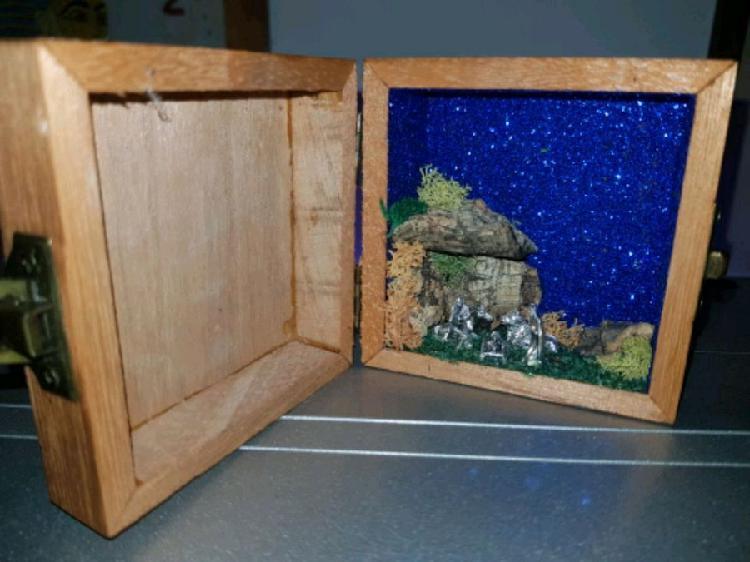 presepe artigianale in scatola pirografata san Pio
