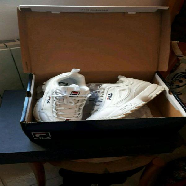 scarpe 37.5 , indossate solo per poche ore per numero