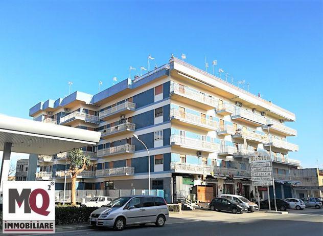 Appartamento con terrazza - via domitiana (palazzo azzurro)