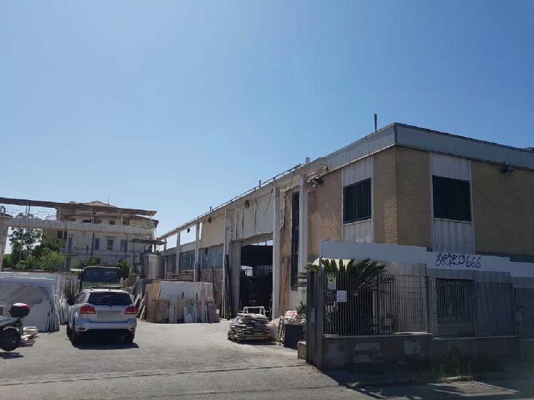 Capannone / Fondo - Industriale/Artigianale a Prenestino,