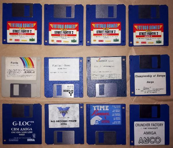Giochi e programmi originali per amiga con manuali