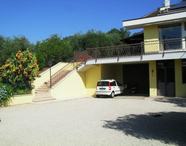 Villa di 260 m² con più di 5 locali e box auto doppio in