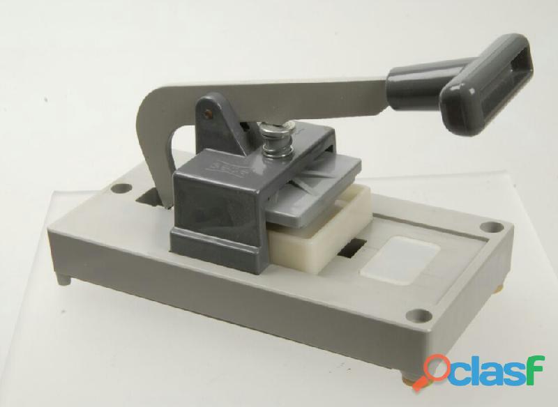 Pressa per montaggio marchio gepe made in sweden 50 x 50mm. per diapositive da 35 mm. nuova
