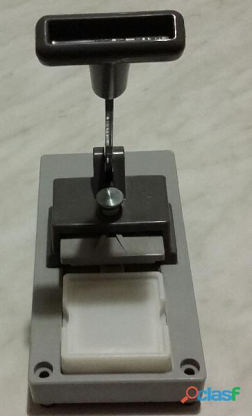 Pressa per montaggio marchio Gepe Made in Sweden 50 x 50mm. per diapositive da 35 mm. nuova 3