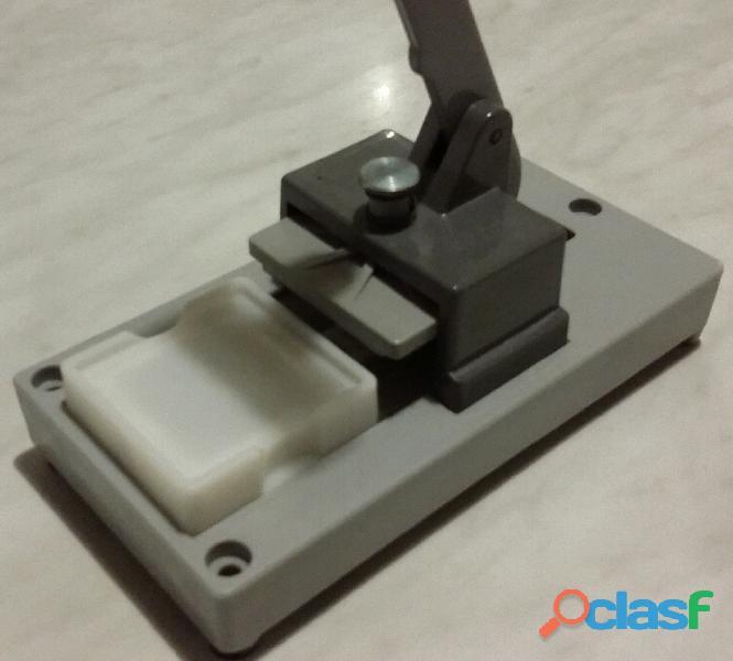 Pressa per montaggio marchio Gepe Made in Sweden 50 x 50mm. per diapositive da 35 mm. nuova 2