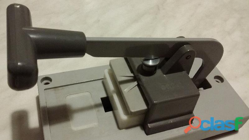 Pressa per montaggio marchio Gepe Made in Sweden 50 x 50mm. per diapositive da 35 mm. nuova 6