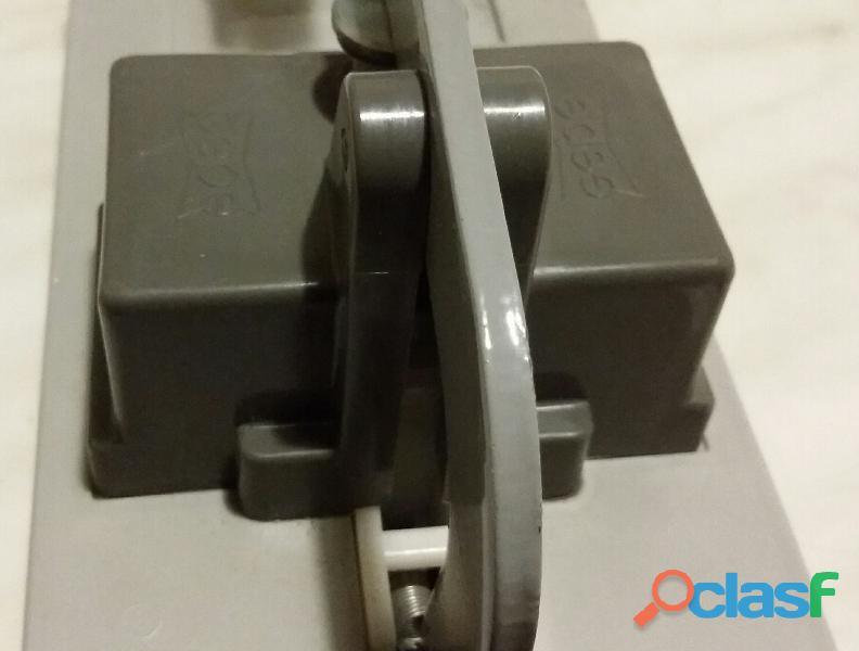 Pressa per montaggio marchio Gepe Made in Sweden 50 x 50mm. per diapositive da 35 mm. nuova 4