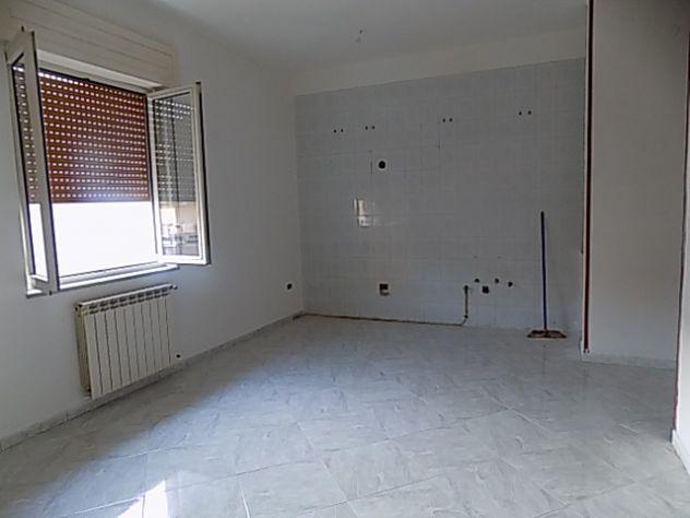 Appartamento tre vani centralissimo.