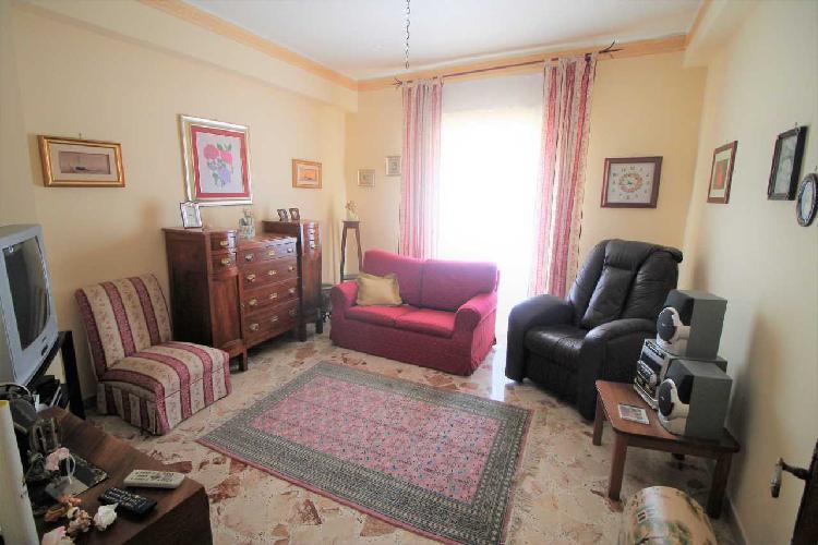 Appartamento - Quadrilocale a Grottasanta, Siracusa