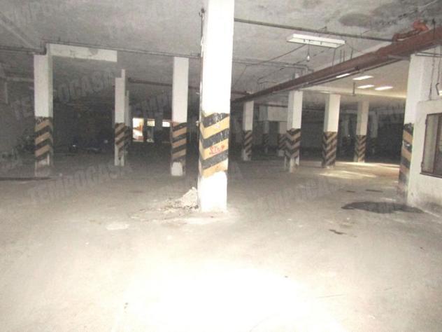 Loft / open space di 1050 m² in affitto a napoli