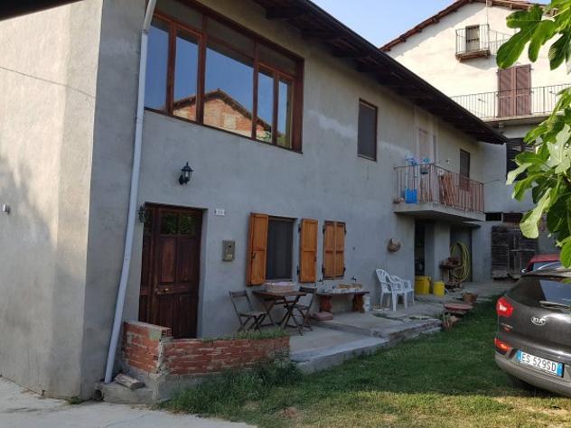 Rustico / casale di 100 m² con 3 locali e box auto in