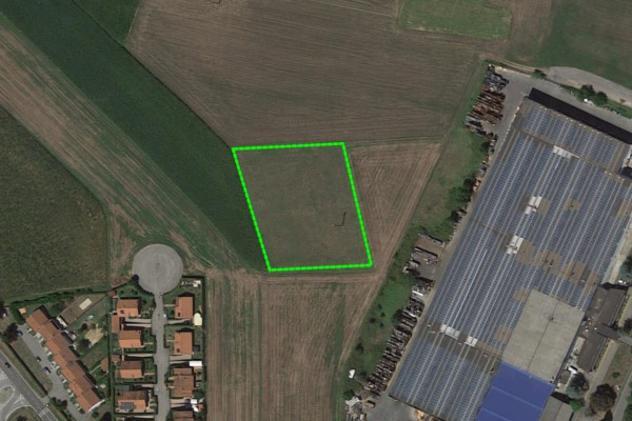 Terreno di 5010 m² in vendita a valfenera