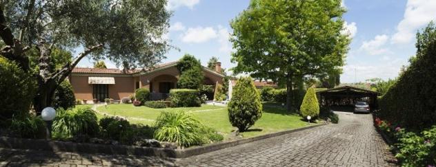 Villa di 130 m² con 3 locali in affitto a Roma
