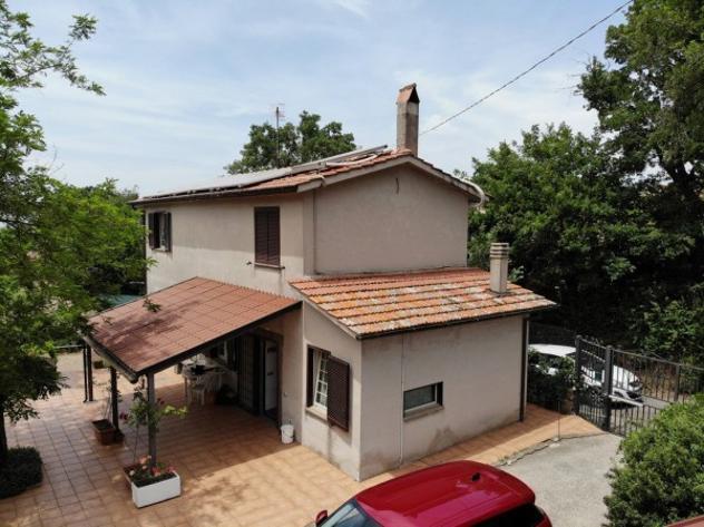 Villa di 130 m² con più di 5 locali e box auto doppio in