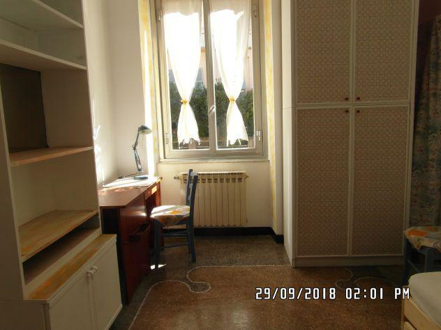 Originale camera singola anche doppia in appartamento max 3