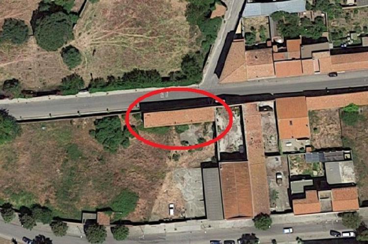 Magazzino - capannone da ristrutturare in vendita