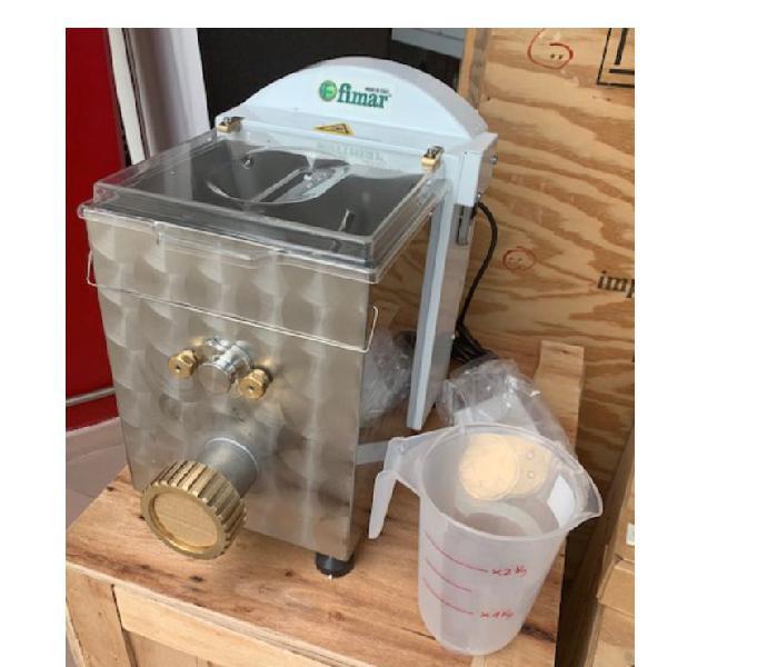Macchina per pasta fresca mpf 2,5 kg con due trafile