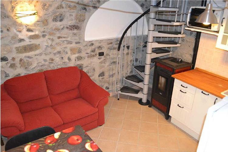 Semindipendente - Terratetto a Velva, Castiglione Chiavarese