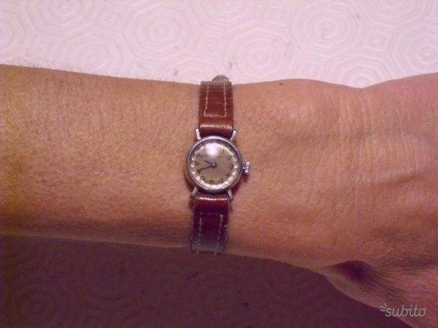 Orologio in argento da donna anni 50/60