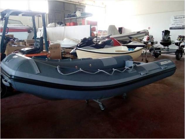 Barca a motore rimessaggio anno2019 lunghezza mt5