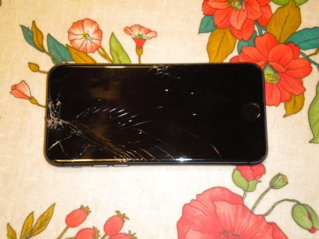 Iphone 8 64gb vetro rotto