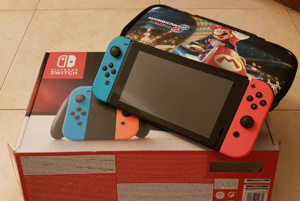 Nintendo switch blu/rosso neon