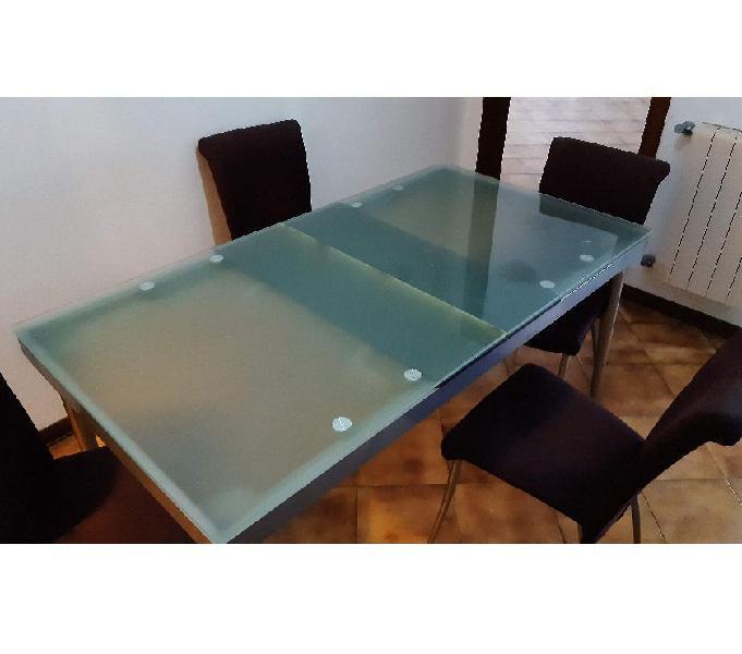 Tavolo allungabile in vetro e 4 sedie