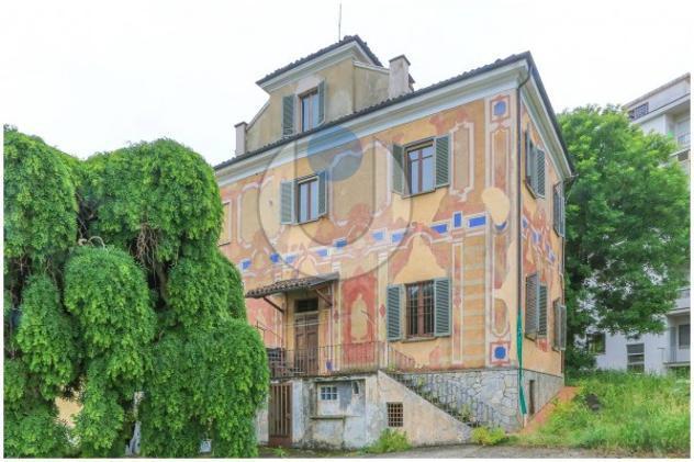 Villa di 380 m² con più di 5 locali in vendita a chieri