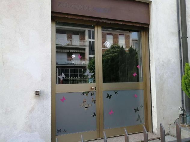 Afneg43 - cantu' centro affitto negozio mq 50
