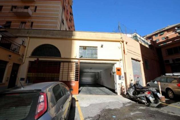 Box / garage di 16 m² con 1 locale in vendita a genova