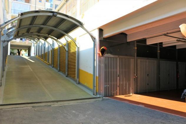 Box / garage di 32 m², box auto doppio in vendita a torino