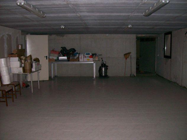 Garage spazio disponibile per deposito temporaneo merci o