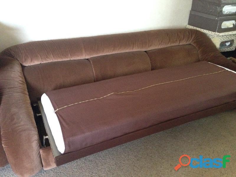 divano 3 posti letto singolo in velluto marrone .una poltrona 6