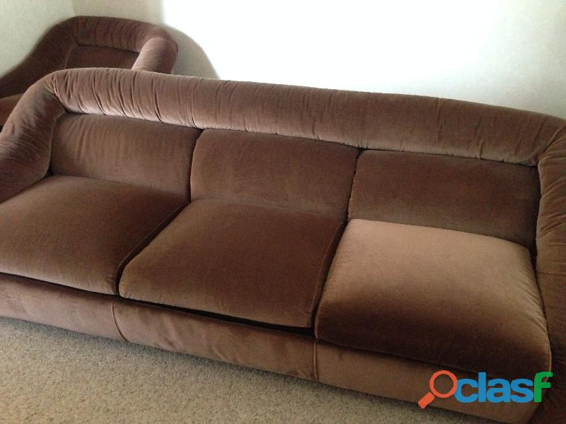 divano 3 posti letto singolo in velluto marrone .una poltrona 11