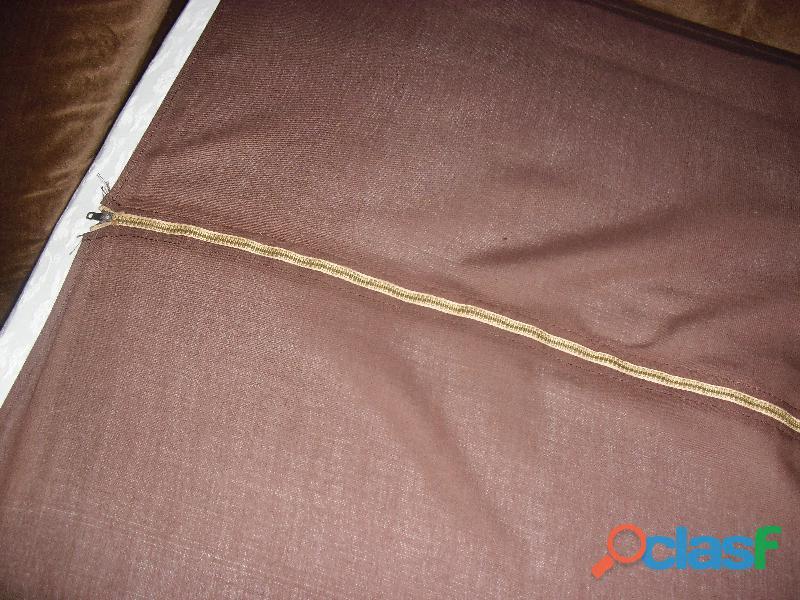 divano 3 posti letto singolo in velluto marrone .una poltrona 15