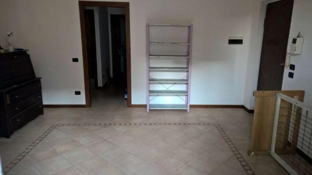 Appartamento di 100 m² con 4 locali e box auto in affitto a