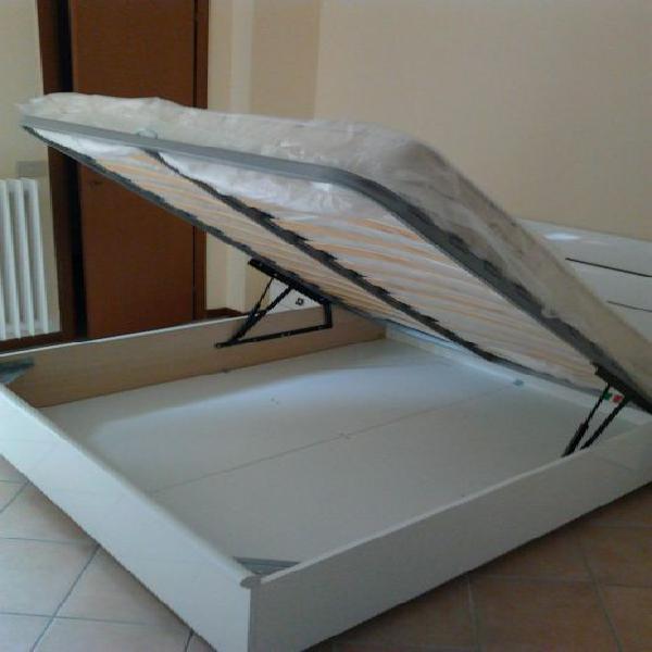 Nuovo ampio 2 balconi con cabina armadio ad.ze p.za napoli