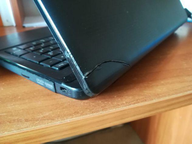 Pc portatile asus x55c usato, scocca rotta ma funzionante,