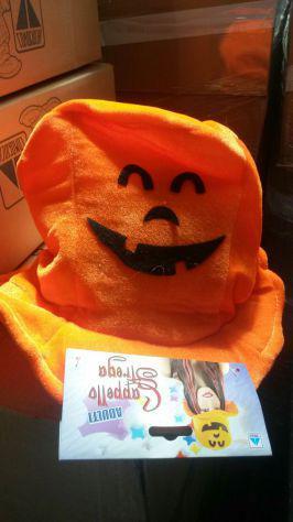 Stock cappelli halloween e carnevale