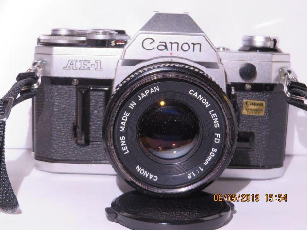 Canon T70 35mm Pellicola SLR Camera 50mm Obiettivo tappo e filtro tutto funziona bene